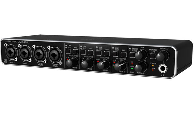 Behringer U-Phoria UMC404 (front)
