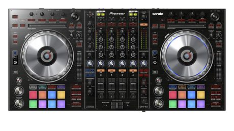 The jogwheels are CDJ-sized.