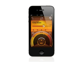 Musikmesse 2011: Roland gear gets wireless recording to iPhone
