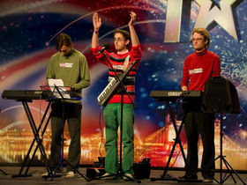 Simon Cowell bemused by keytar trio