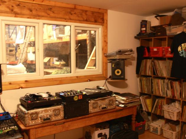 Decks room