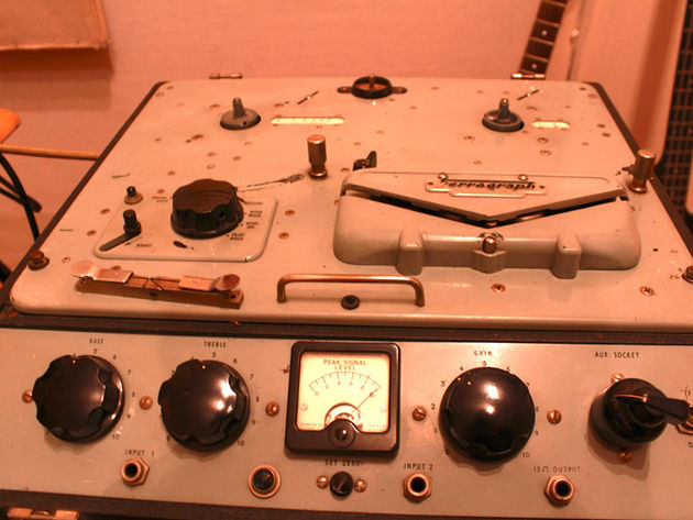 Valve tape machine