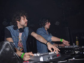 Justice respond to 'unplugged' controversy by posting more pictures