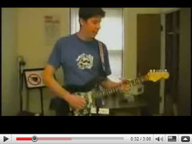 Guitarist uses Nintendo Wiimote as whammy bar