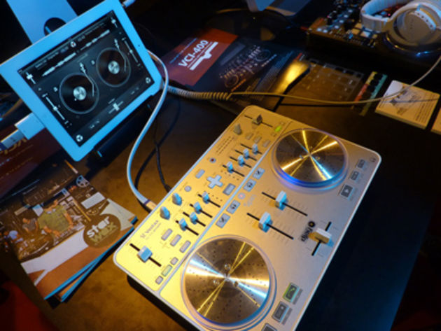 Vestax Spin meets the iPad