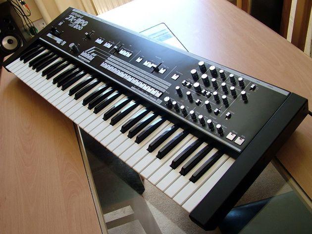 Roland JX3P + PG200 Programmer