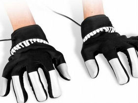 Piano Hands gloves let you play anywhere