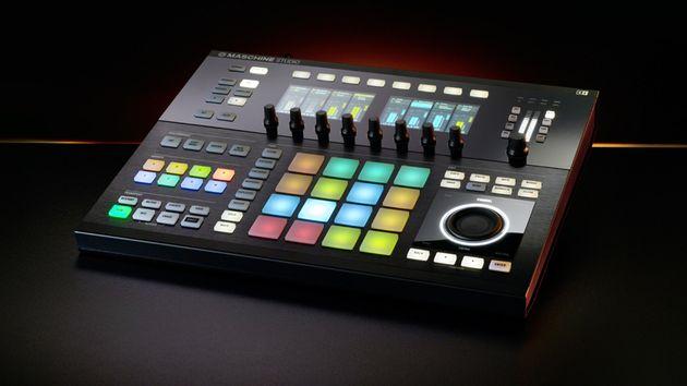 On retrouve les 16 pads pour composer ses beats à la volée