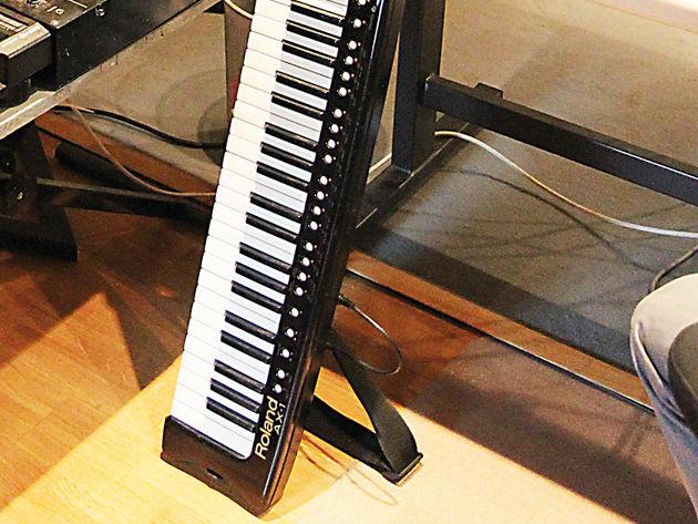 Roland AX-1