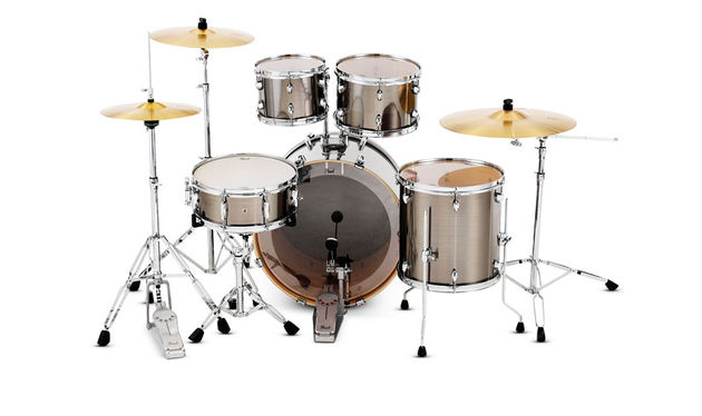 The Export comes with a full 830 series hardware pack including the impressive Demonator bass drum pedal