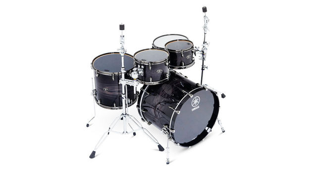 Yamaha Live Custom drum kit