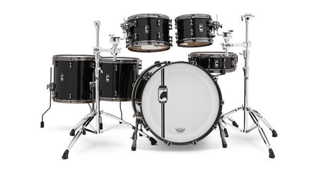 Mapex Black Panther Widow drum kit