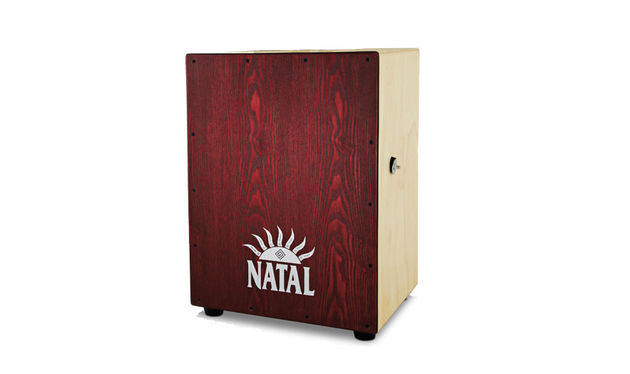 The whole cajon is well finished and satin smooth, except for the seat which has a roughened surface for grip