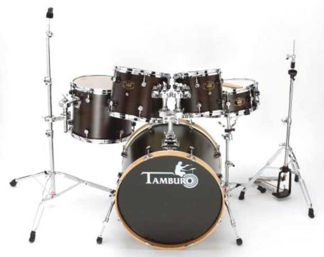 The matt lacquer finish is unique, but classy, and the unstained bass drum hoops are a perfect counterpoint