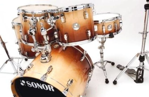 The nine-ply all-maple shells make for drums that are packed with maple warmth and capable of considerable volume