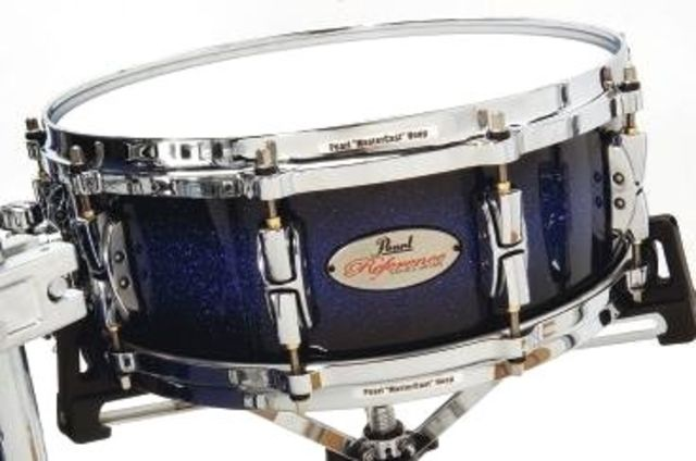 The snare has a 20-ply shell comprising six inner birch plies and 14 maple plies.