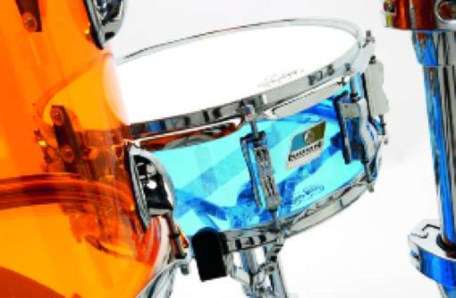 The snare has proper 45º bearing edges.