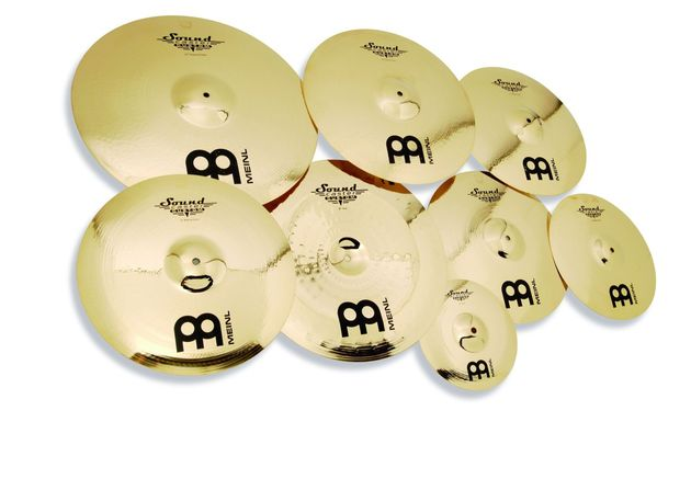 The cymbals are made from an usual B12 bronze alloy that sits between the customary B8 and B20 formulas