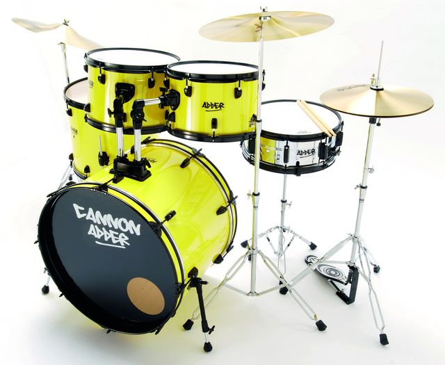 "The kit comes complete with a 16"" crash, 18"" ride and 14"" hi-hats"