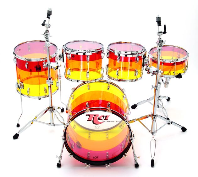 The main kit is in a pattern consisting of three bands of Red, Amber and Yellow, known as Tequila Sunrise.