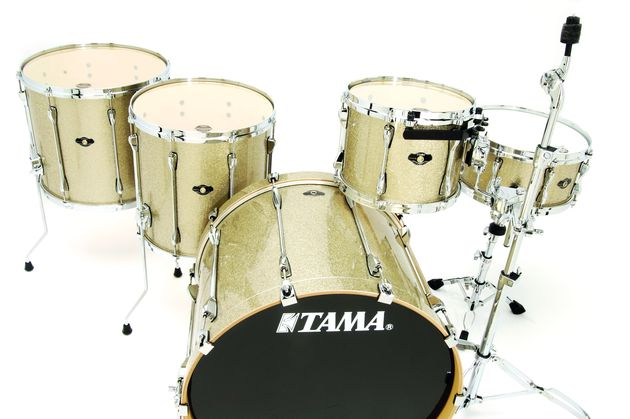 "Comes with cracking big 16"" and 18"" floor toms."