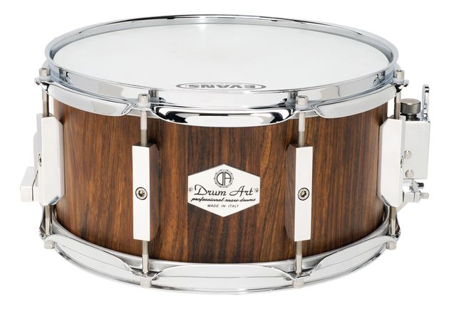 Drum Art snares are completely handmade by a team of four craftsmen in Italy