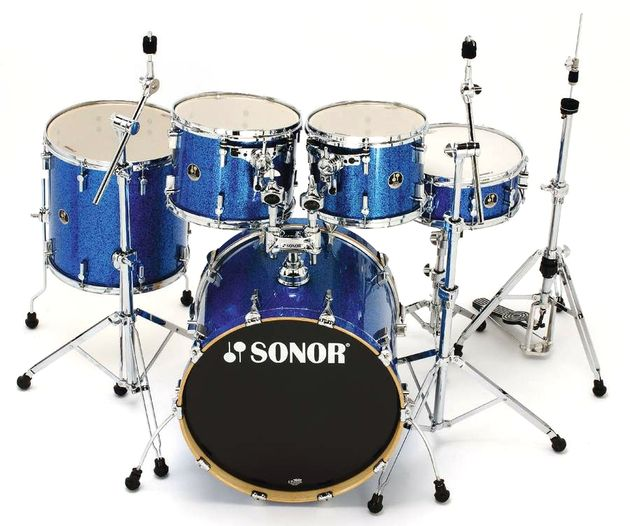 "The toms are all standard lengths, while the bass drum is an unusual 17½"" deep"