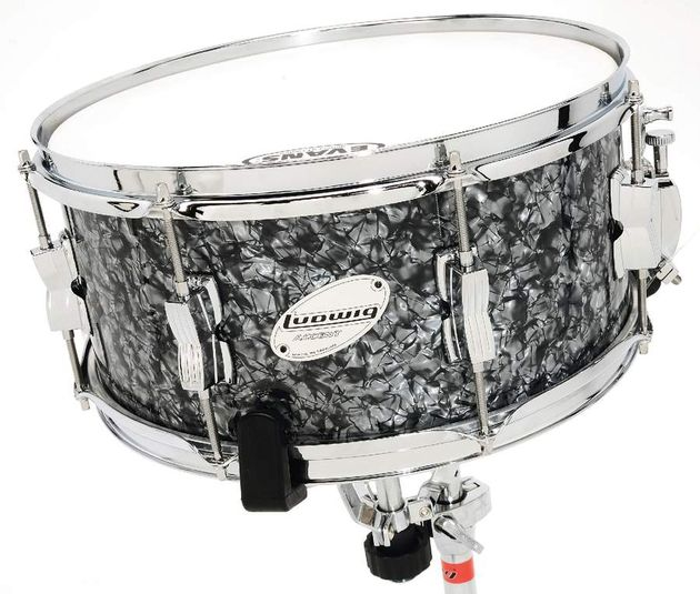 "The 6 ½"" deep wood shell snare has eight double-ended classic lugs with bridges for minimum shell contact"