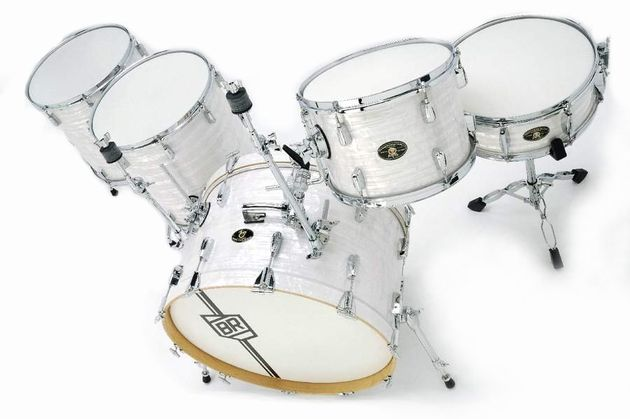 The shallow depth of the bass drum means its response is fast and sensitive