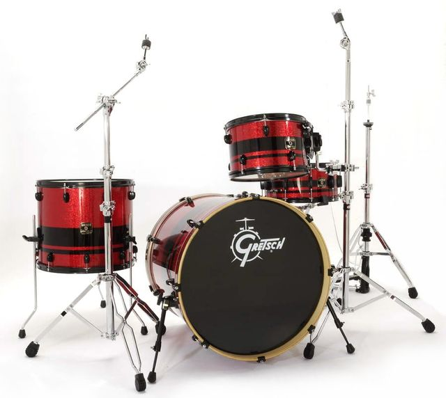 The kit features mahogany shells and gentle 30 degree bearing edges.