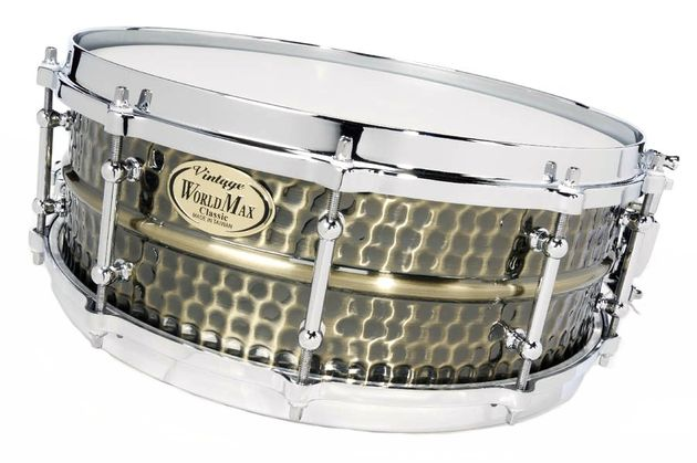 The honeycomb hammering gives this drum a vintage vibe