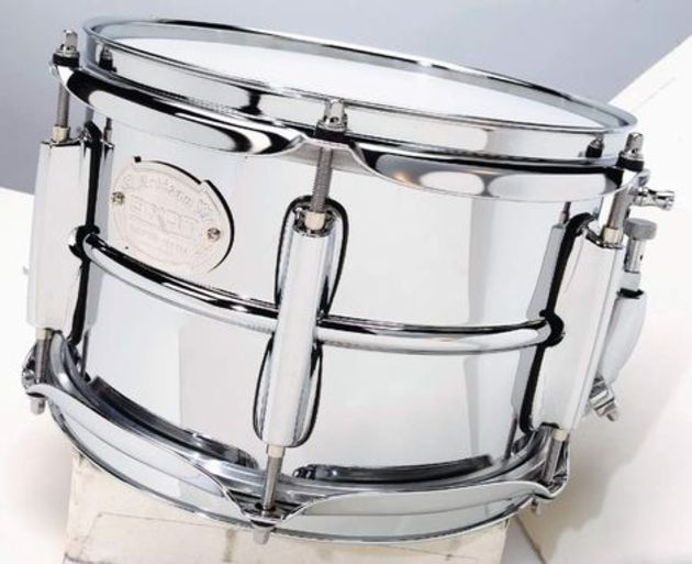 "The 10""x6½"" snare balances high-pitched tones with a satisfying fatness"