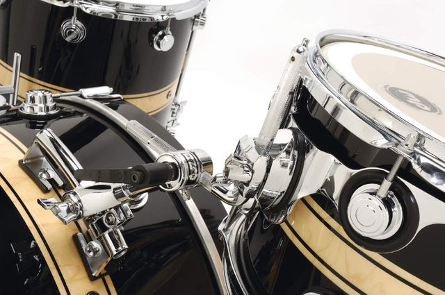 The retro-style rail mount and cymbal arm suit the retro-sized bass drum and create a seriously cool look