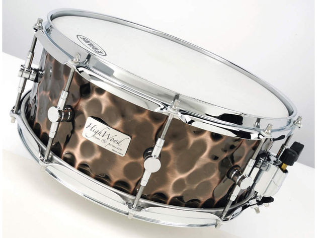 The well-behaved snares don't need dampening, and work best at mid tunings with mid-tensioned snares