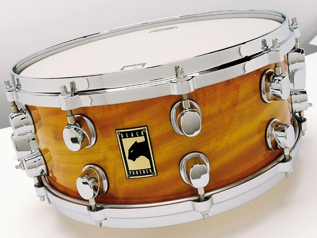 Beautifully cut bearing edges flaunt a vintage-style round-over edge and wide snare beds