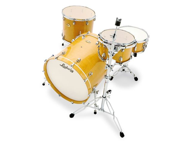 "The fashionable 20""-deep bass drum with small mass mini Classic lugs works great with a double pedal"