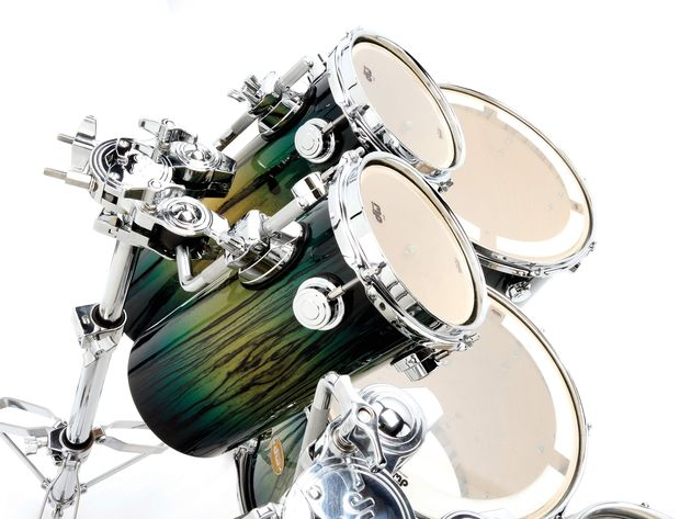 Rata drums are a new addition to the DW range for 2008 and are available in eight lengths but only one diameter