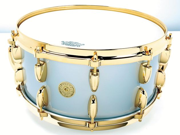 The unique Silver Mist lacquer marks this out as a true collectors' drum