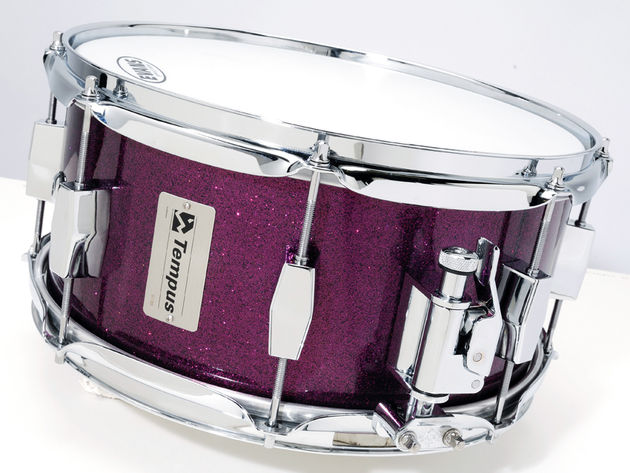 Drums come with quality Evans heads and smart Dunnett strainers as standard