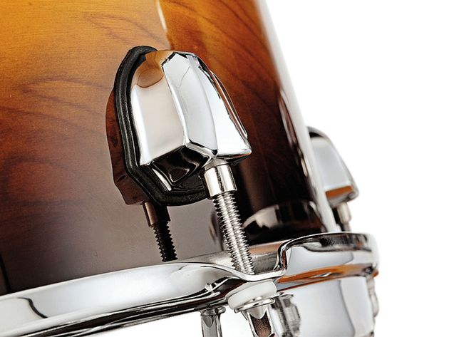Shield-shaped lugs are already featured on the Velvetone snare drum, and their design is nicely echoed in the floor tom leg brackets.