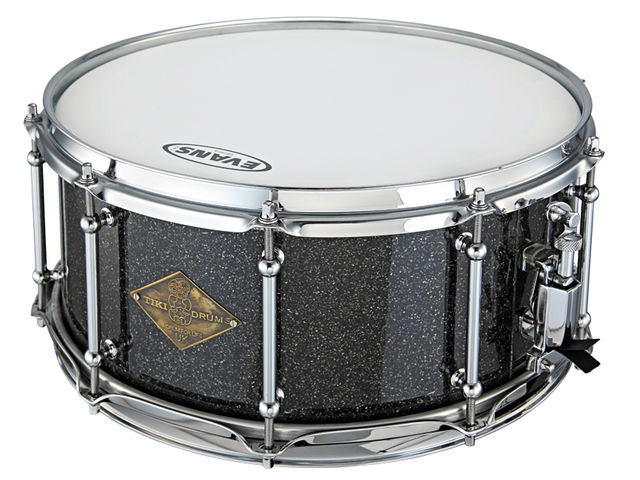 The all-maple snare has a sharp, bright, open tone that fizzes with energy.