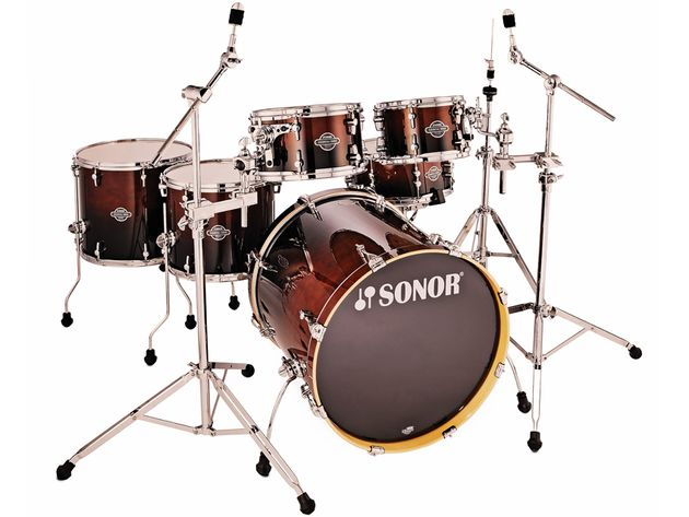 S-Drive confi guration includes a huge, undrilled 22x20-inch bass drum.