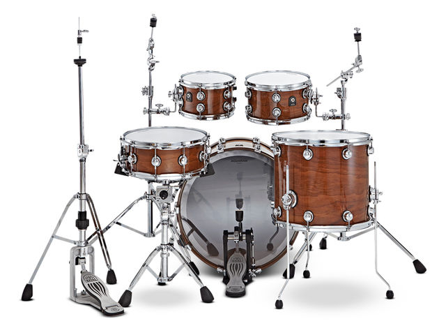 Seven-ply, 5.5mm all-walnut shells  are sumptuously finished in  clear lacquer.