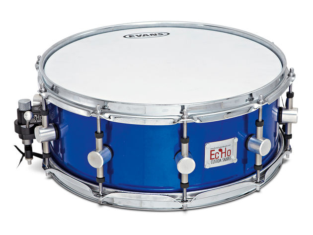 "The 14""x5½"" snare has a 3mm thick shell and 45º cut bearing edges."