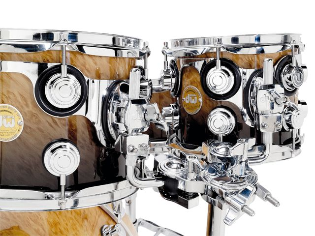 DW STM suspension mounts allow drums to vibrate freely, allowing maximum resonance while securely holding the drum in place