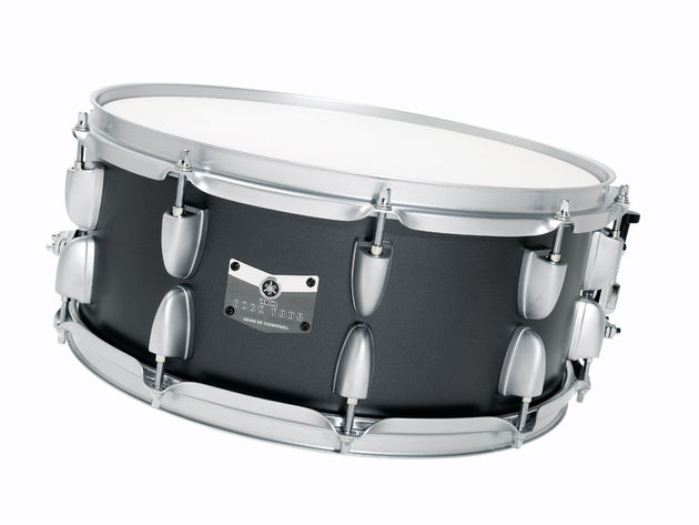 the snare has an aggressive woody core that powers backbeats solidly.
