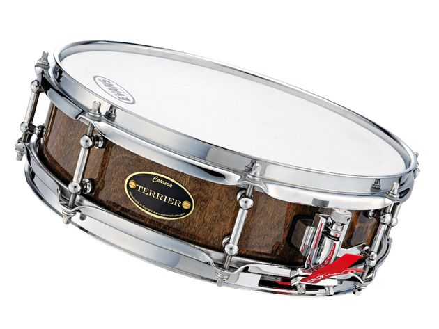The snare sound is controlled but lively - it snaps, crackles and pops.
