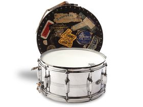 Vintage drum gear: Slingerland snares and Satin Flame Pearl kit