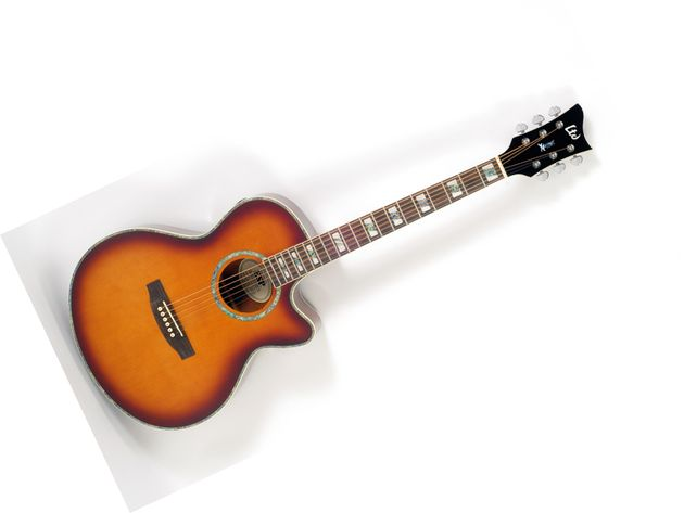 The tobacco sunburst finish.