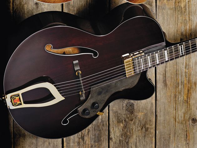 The HL-550 sports mahogany top, back and sides.